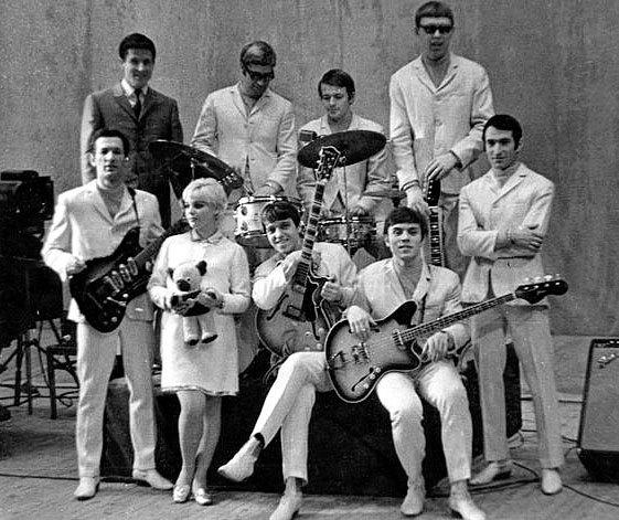 Популярная музыка в Ленинграде – Петербурге. 1965–2005. Том3 i_016.jpg