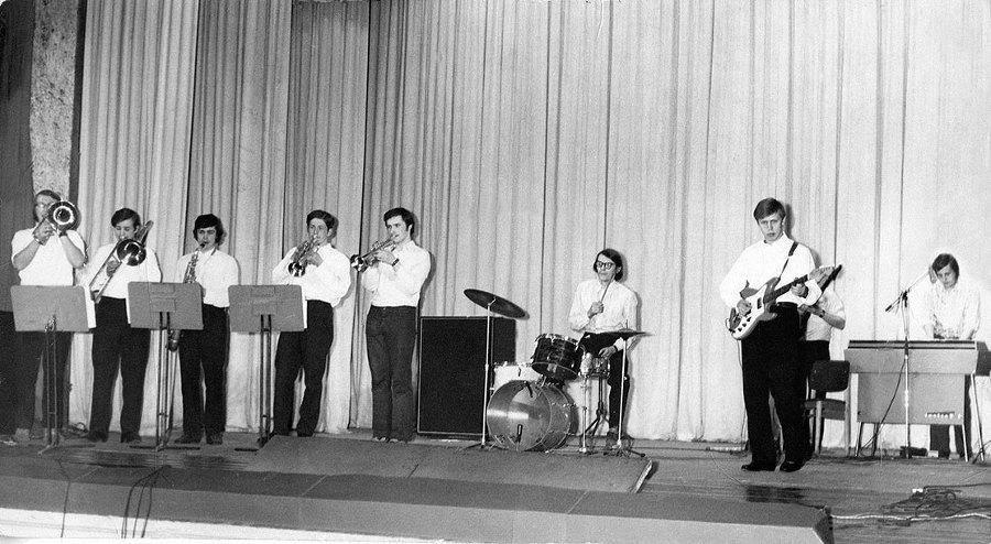 Популярная музыка в Ленинграде – Петербурге. 1965–2005. Том3 i_070.jpg