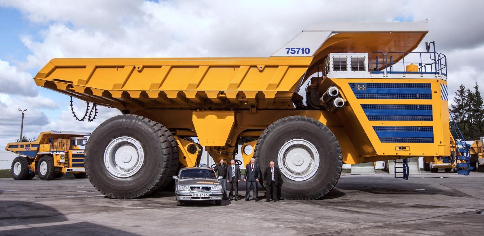 Самые самые автомобили в мире. БелАЗ-75710